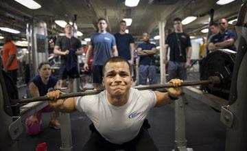 Тренировка для мужчины новичка в тренажерном зале
